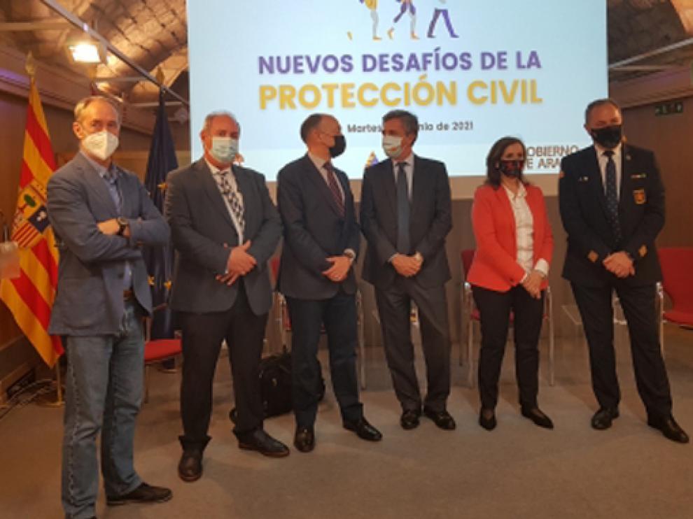 Participantes en la redonda de Protección Civil, celebrada en el Edificio Pignatelli de Zaragoza.