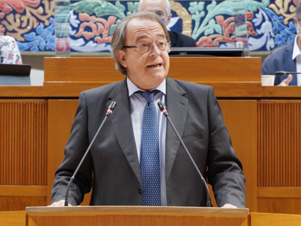 Carlos Pérez Anadón, Consejero de Hacienda y Administración Pública