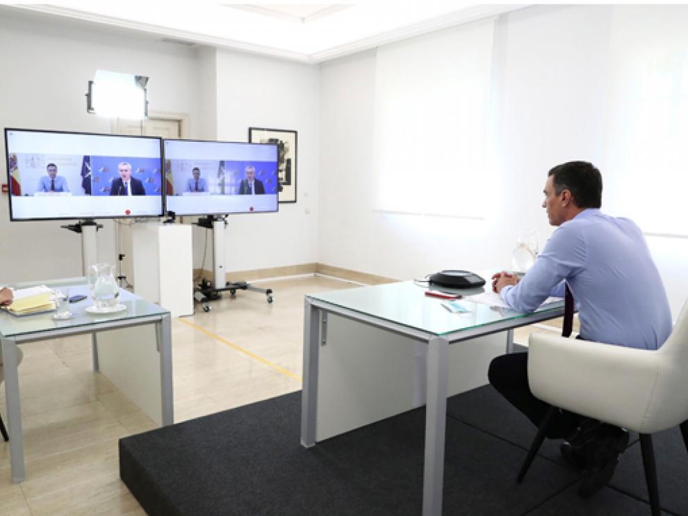 Sánchez se ha reunido con el Secretario General de la OTAN por videoconferencia