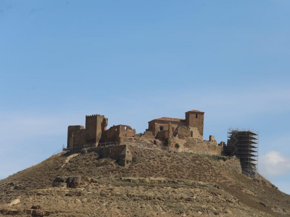 El Castillo de Montearagón con andamios durante los trabajos de mejora