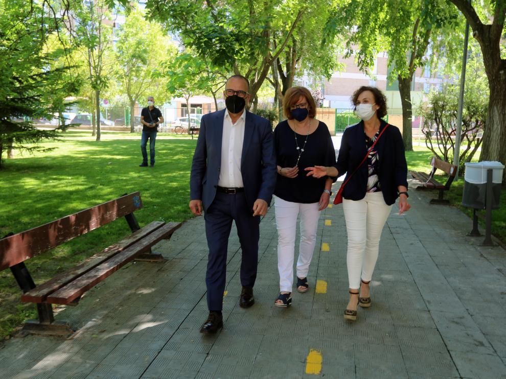 El consejero de Educación, Cultura y Deporte, Felipe Faci, en su visita a Huesca