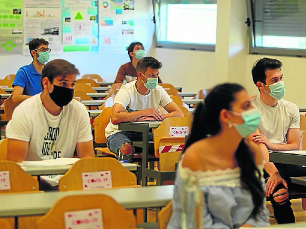 Imagen de archivo de los instantes previos a que dieran comienzo los exámenes del año pasado.