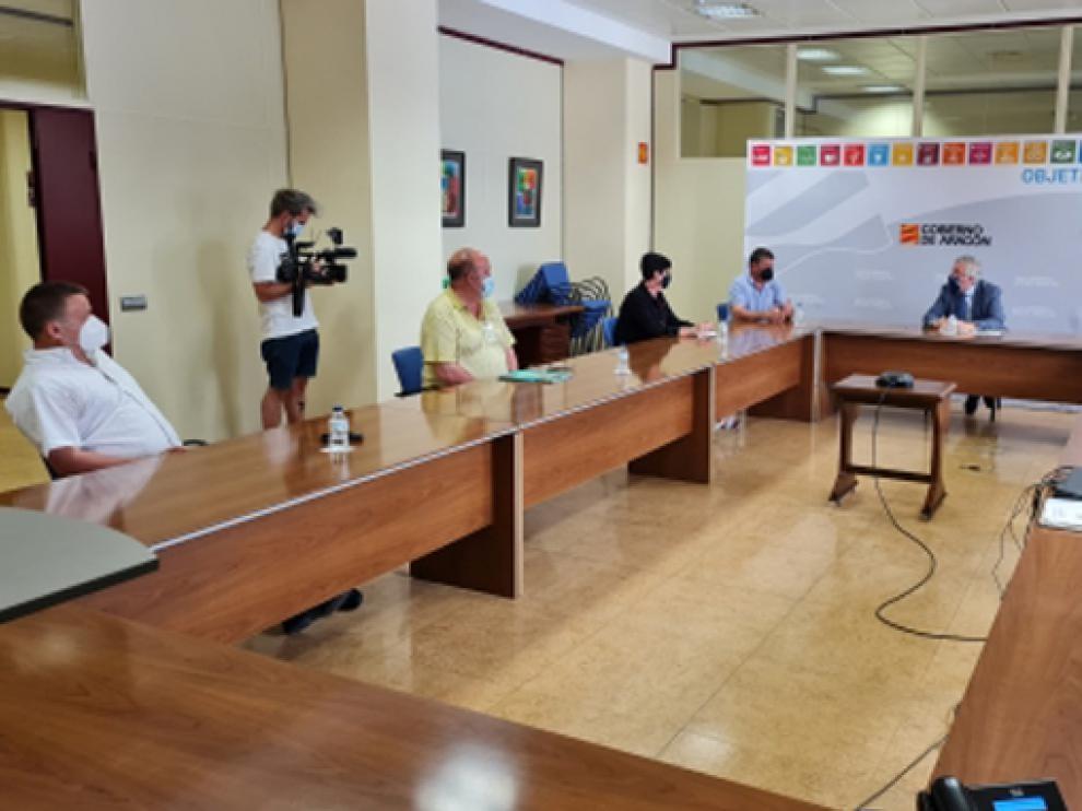 Imagen de la reunión de Olona con los alcaldes afectados