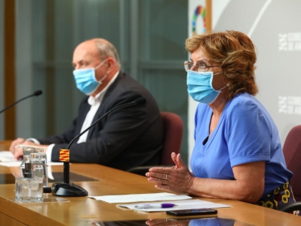 Mariví Broto y SGT José Antonio Jiménez explican las prestaciones sociales en Aragón