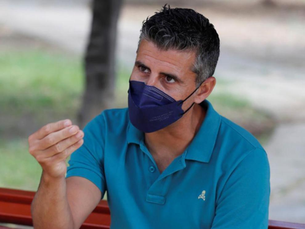 Vicente Asensio, uno de los 8 profesores que recibieron 6 dosis de Pfizer.