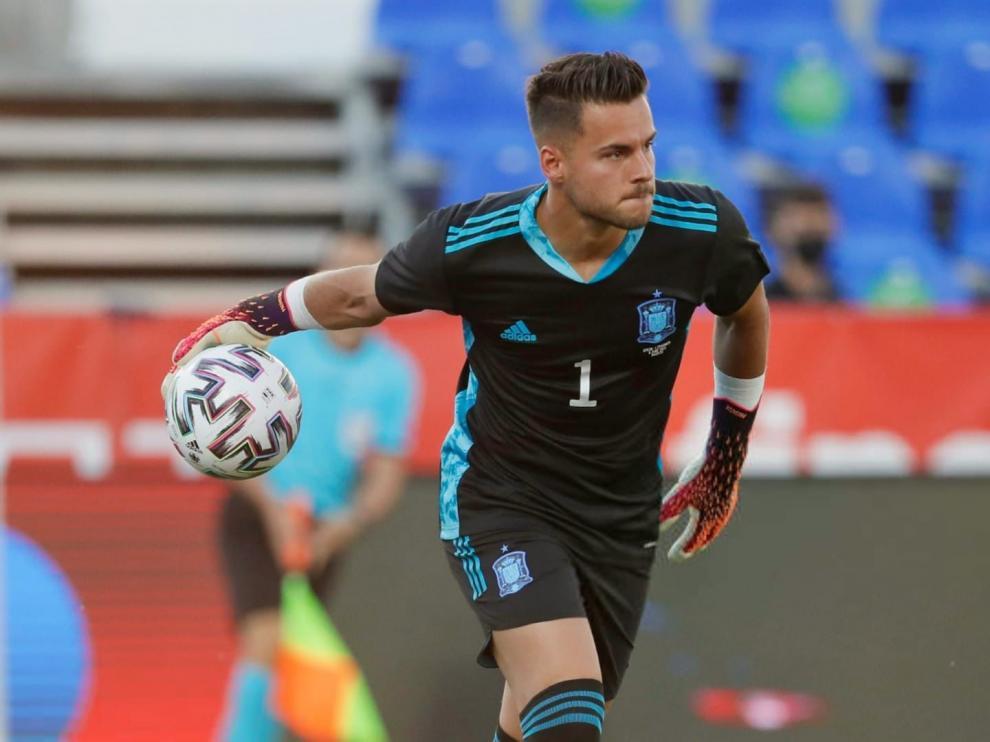 Álvaro debutó con la selección absoluta de España y lo hizo como titular.