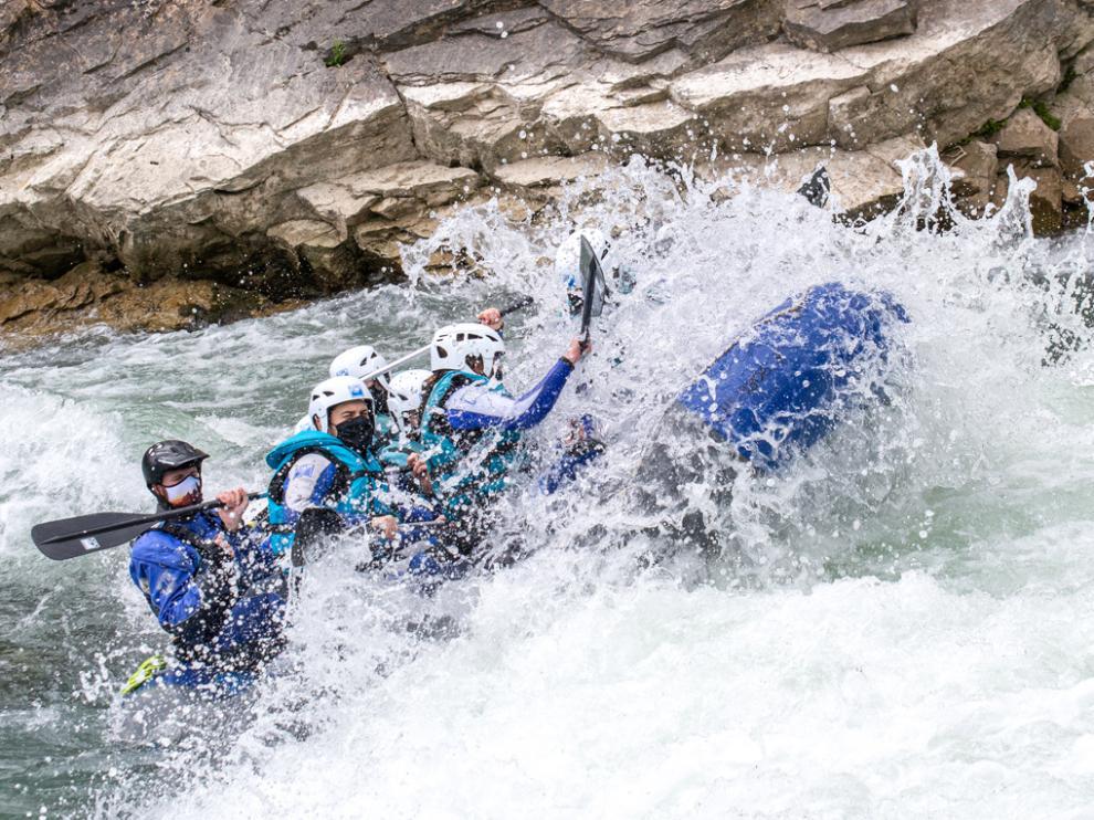 Los deportes de aventura atraen a un buen número de turistas al Alto Aragón.