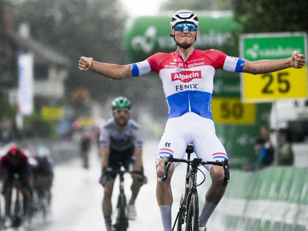 Van der Poel se impuso en la etapa de este lunes en Suiza