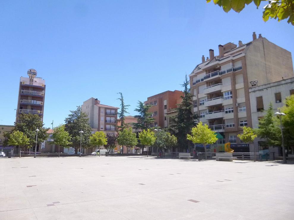 Imagen de archivo de la plaza de España de Binéfar.