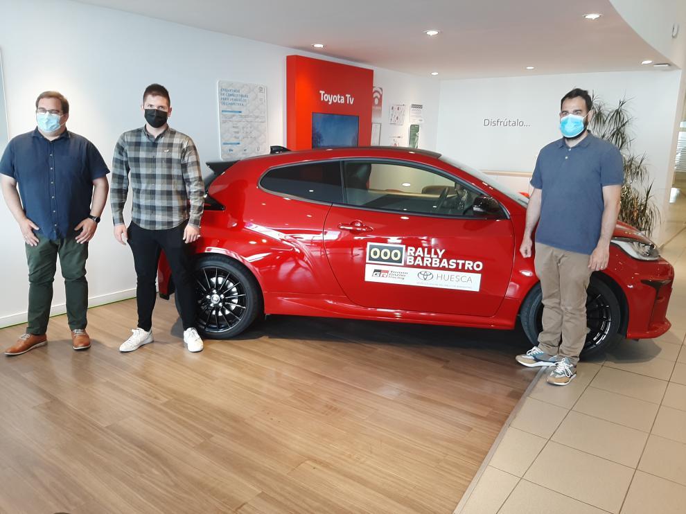 Lizana, López e Izcue, junto al Toyota GR Yaris que abrirá la prueba