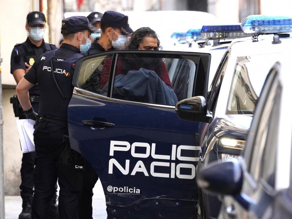 El cantante Diego El Cigala saliendo detenido de comisaría, a 10 de junio de 2021, en Madrid (España).