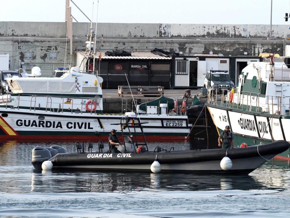 Imagen de varias patrulleras de la Guardia Civil atracadas en el muelle de Santa Cruz de Tenerife