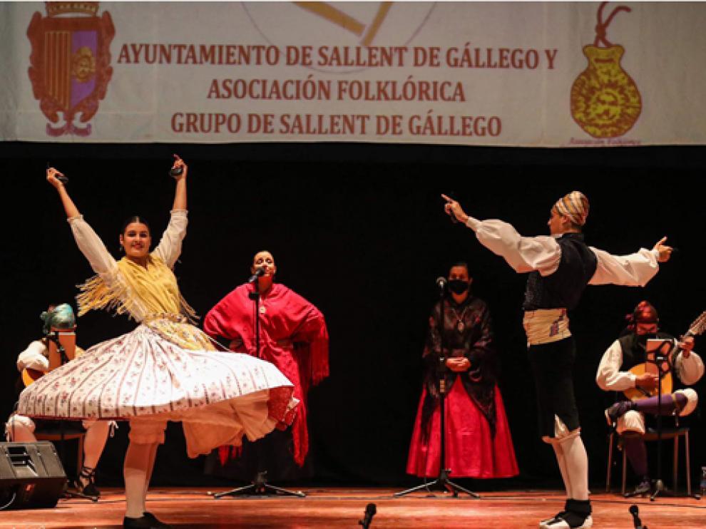 La pareja de baile formada por Iris y Adrián Saiz, en su participación en la fase clasificatoria.