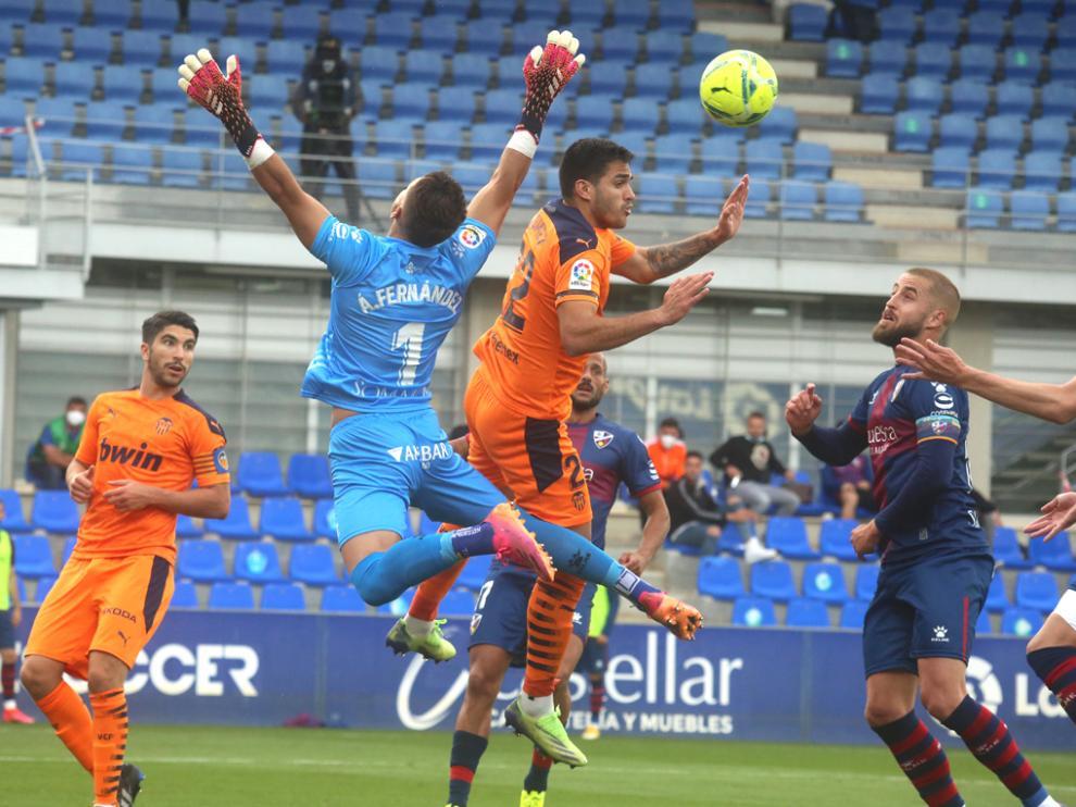Partido entre la SD Huesca y el Valencia en el Alcoraz