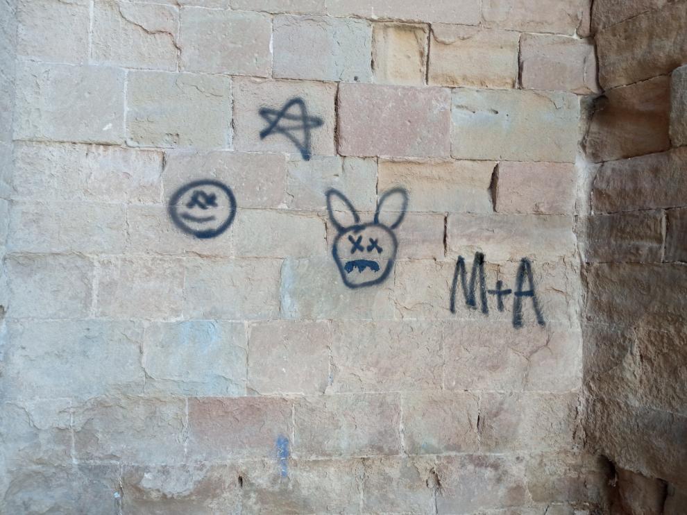 Grafiti en la Catedral de Barbastro