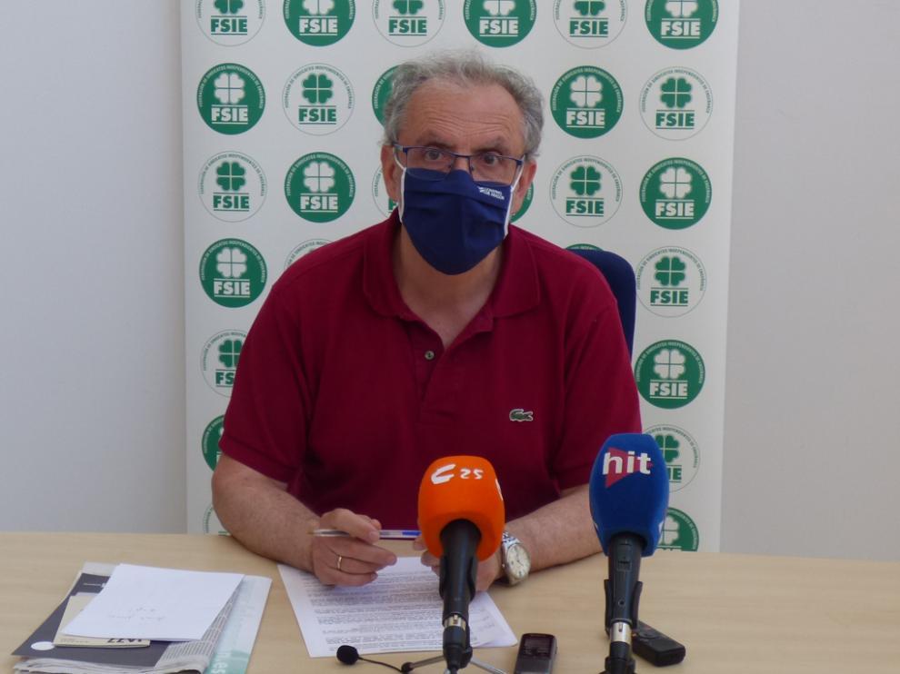 Ángel Moran, secretario general de FSIE en Huesca, informó del acto que se celebrará este martes