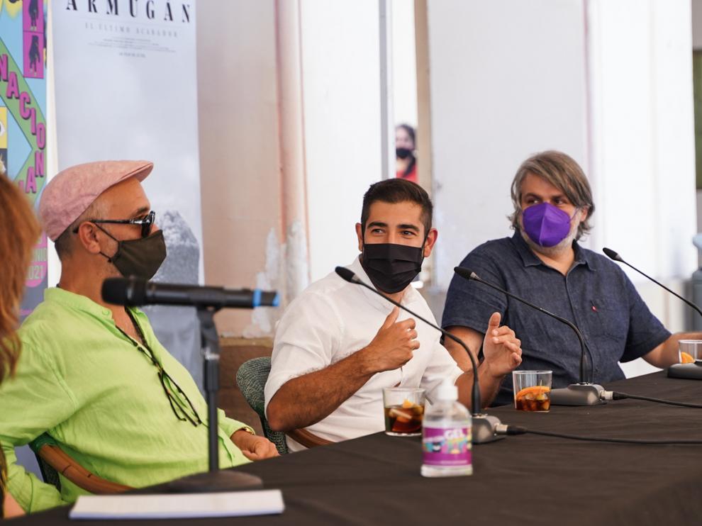Jo Sol, Daniel Vergara y Juanjo Javierre, durante el vermú este lunes.