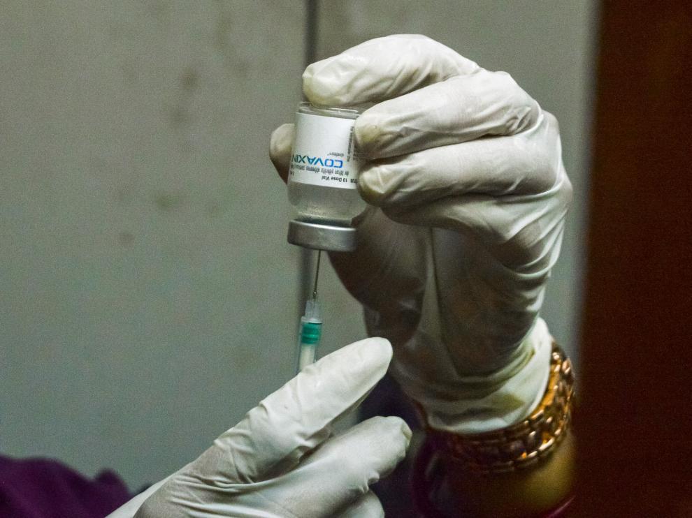 La vacunación aumenta la inmunidad en quienes ya han padecido la enfermedad.