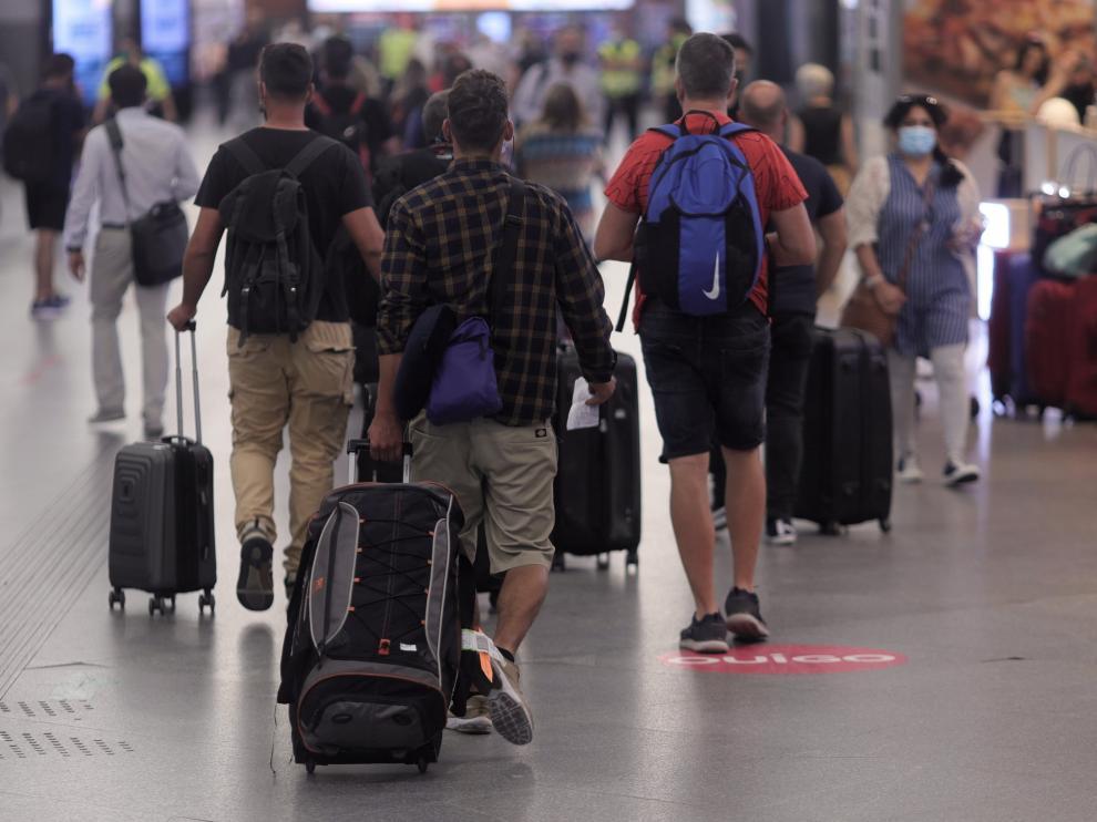No es un pasaporte, pero el nuevo documento facilitará el viajar a pesar de la covid-19