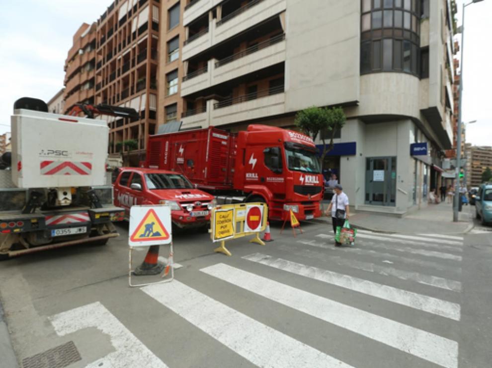 Maquinaria instalada en la calle General Lasheras de Huesca