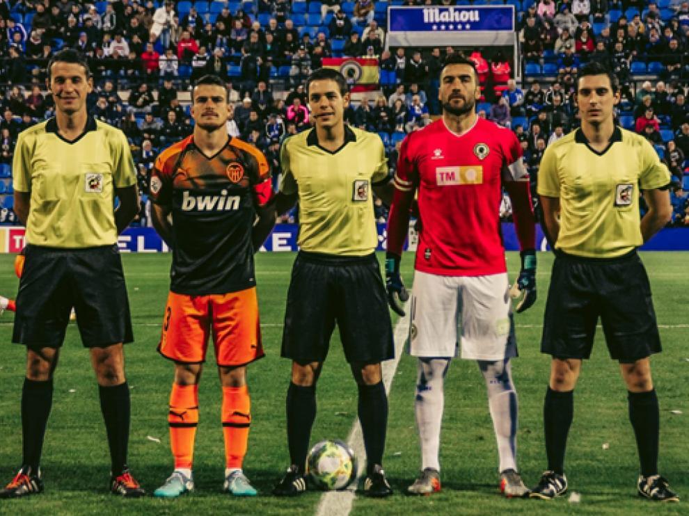 Monter y Ferrando, en un partido de esta temporada en Segunda División B.