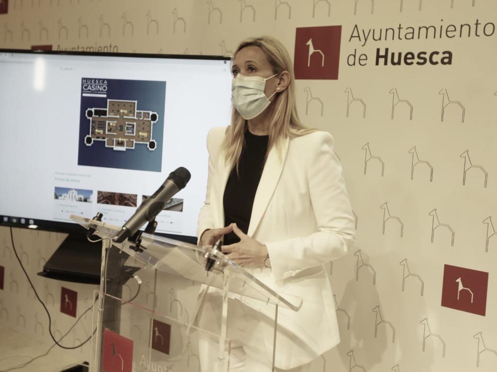 Cristina de la Hera, concejal responsable del Casino en el Ayuntamiento de Huesca