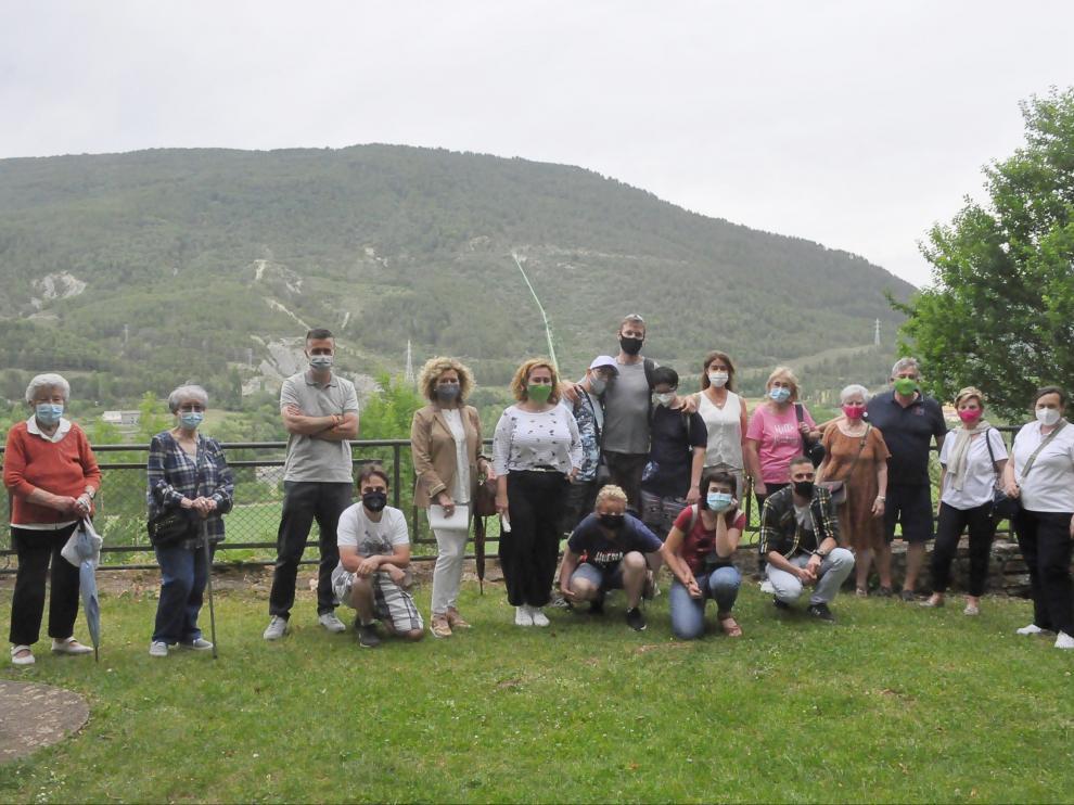 Participantes en la prueba piloto realizada esta semana en la ruta natural accesible que discurre por el paseo de la Cantera.