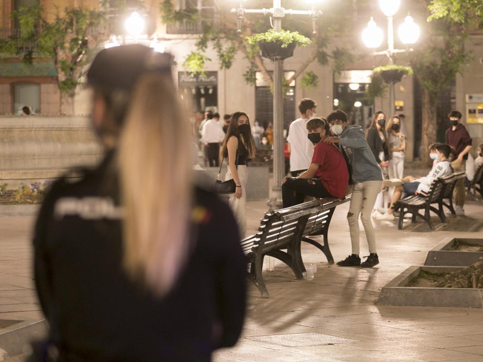 Fin del estado de Alarma. Dispositivo policial / 08-05-2021 / Foto Rafael Gobantes[[[DDA FOTOGRAFOS]]][[[DDAARCHIVO]]] Fecha: 09/05/2021 Propietario: (DDA) DIARIO DEL ALTO ARAGON Autor: GOBANTES, RAFAEL (DDA) descri: HUESCA. CRISIS DEL CORONAVIRUS. COVID 19. Fin del estado de Alarma.