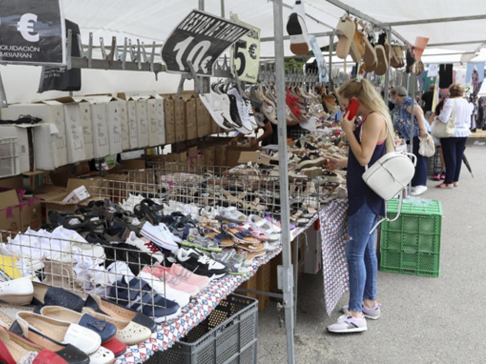Imagen del mercado ambulante durante la mañana del pasado sábado.