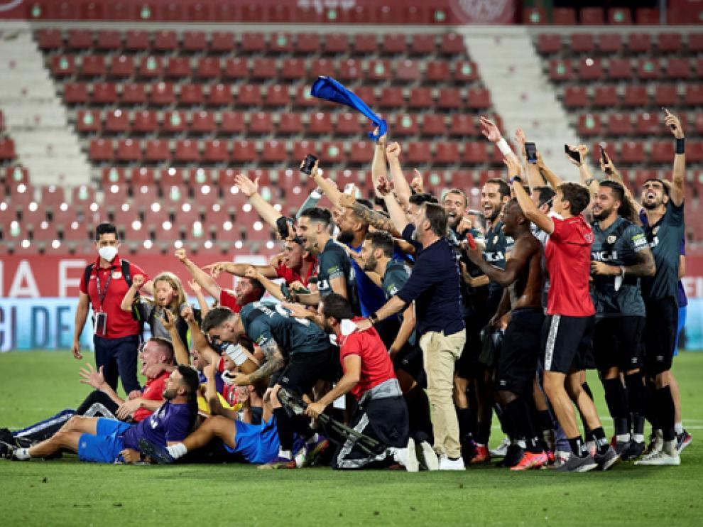 Los jugadores del Rayo, tras sellar su ascenso a Primera División.