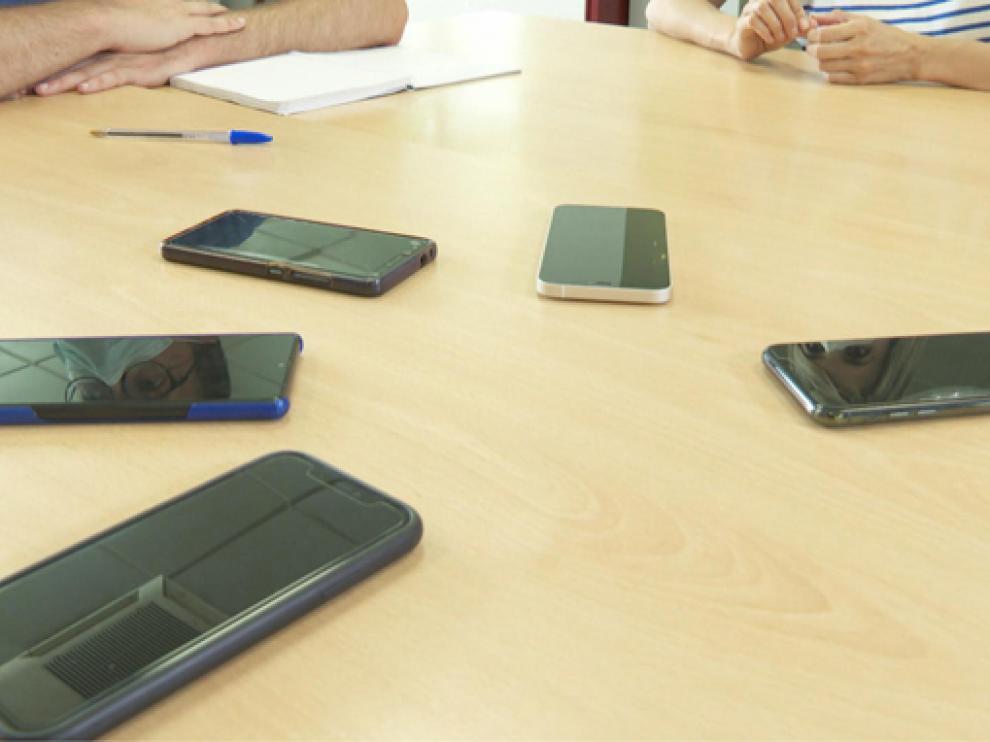 Los teléfonos móviles delatan nuestra ubicación, gustos, relaciones y preferencias.