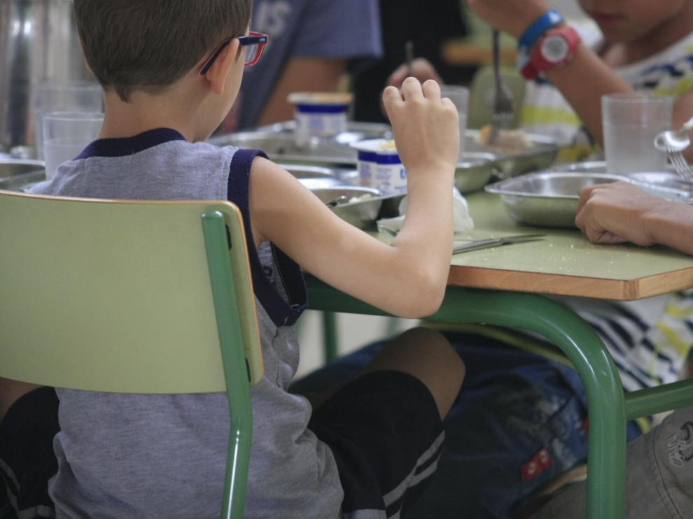 Las becas de comedor, dotadas con 12 millones de euros, llegarán a más de 10.000 alumnos de todo Aragón.