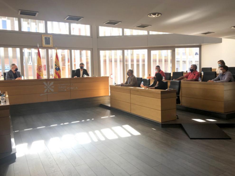 Reunión del consejero Olona con el presidente de la Comarca del Bajo Cinca y otros munícipes del territorio.