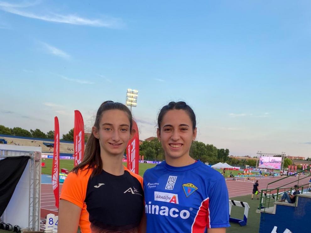 Laura Pintiel y Elena Guiu,  felices tras su gran papel en Getafe.