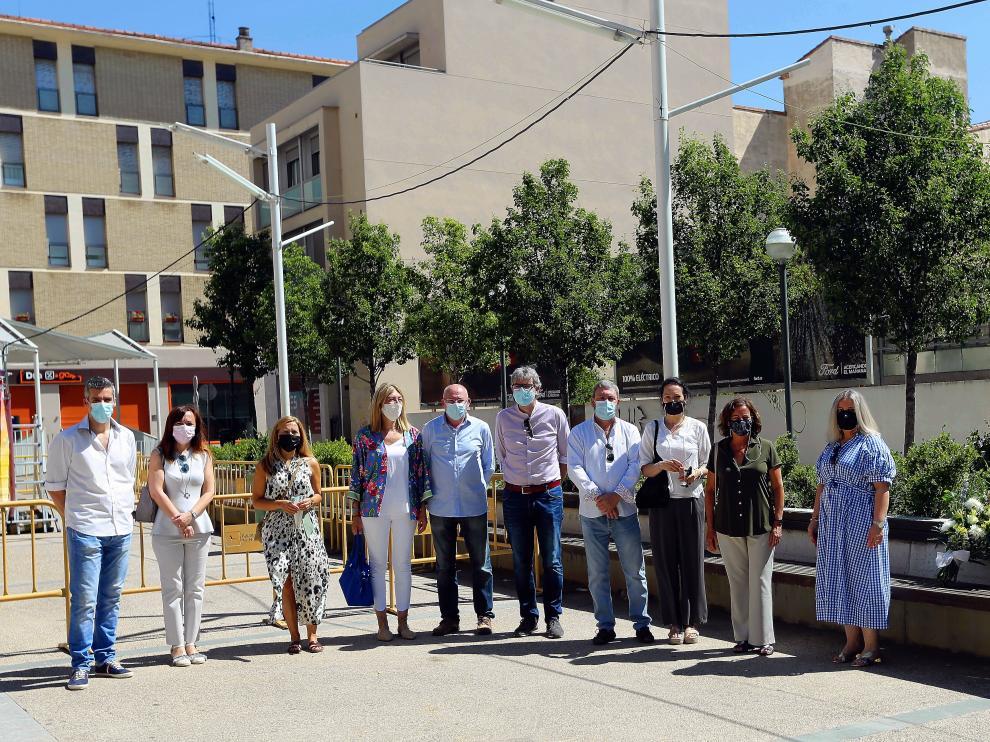 El PP municipal durante el homenaje realizado este domingo.