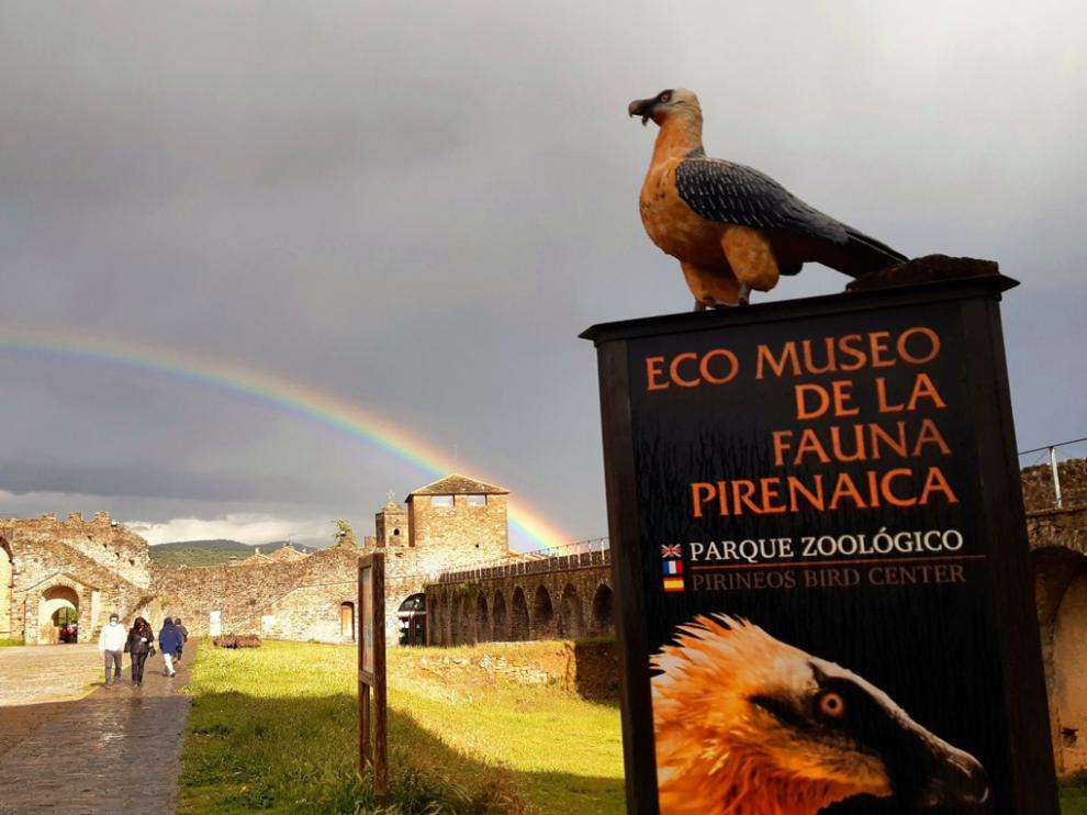 Exterior del Eco Museo de la Fauna Pirenaica, en Aínsa, que este año cumple su vigésimo aniversario.