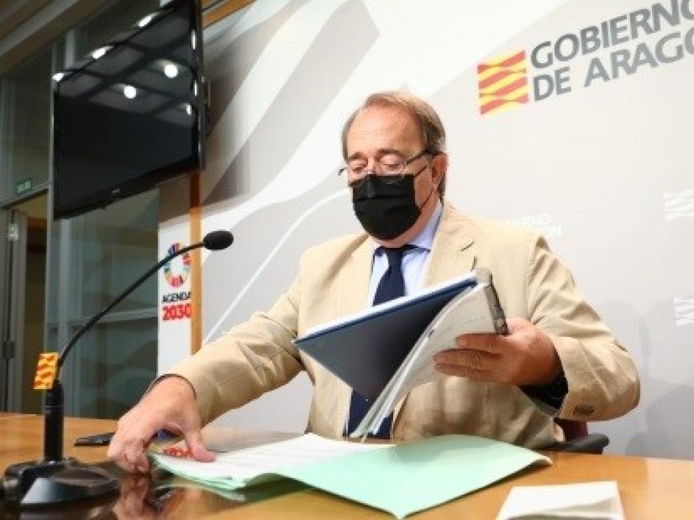 Carlos Pérez Anadón.