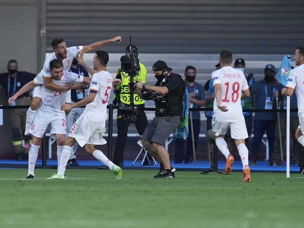 España llega a los octavos con la moral alta tras golear a Eslovaquia.