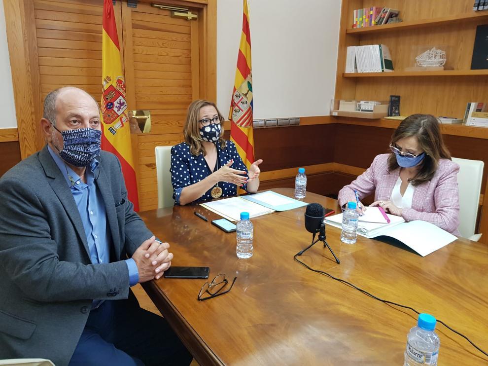 Imagen durante la reunión del Consejo Local celebrado ayer, que fue presidido por Mayte Pérez.