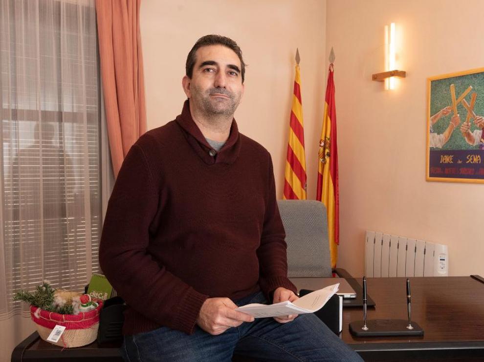Javier Felipe Villa, alcalde de Sena