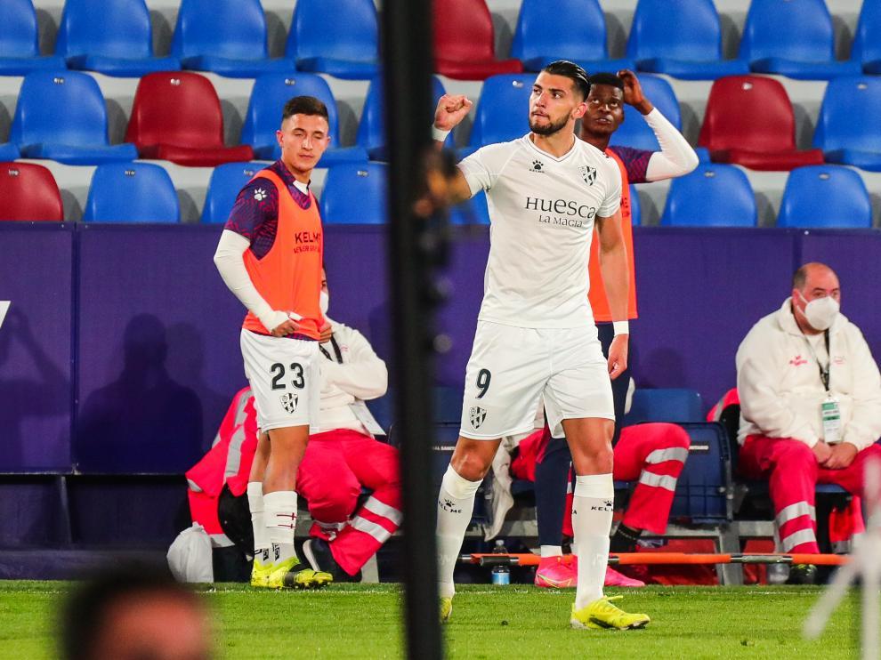 Rafa Mir ha hecho valer sus goles en el Huesca para ir a los Juegos.