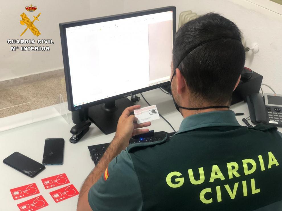 El total de afectados son 3 vecinos de la provincia de Huesca a los cuales estafaron un total de 7.500 euros en servicios de telefonía