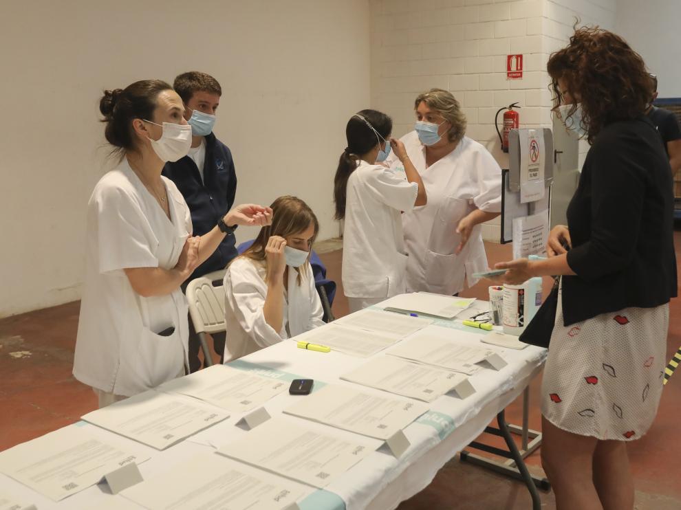 Fotografía de archivo de vacunación en el local social de San Lorenzo, en Huesca ciudad.