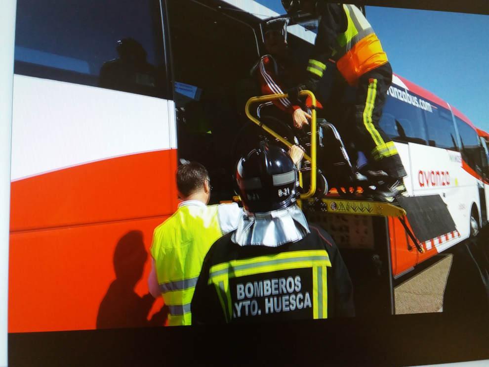 Simulacro de incendio y evacuación con personas de movilidad reducida.