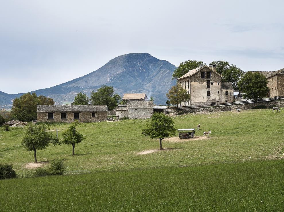 La Borda de Pastores se encuentra en la Pardina de Ayés, en el municipio de Sabiñánigo.