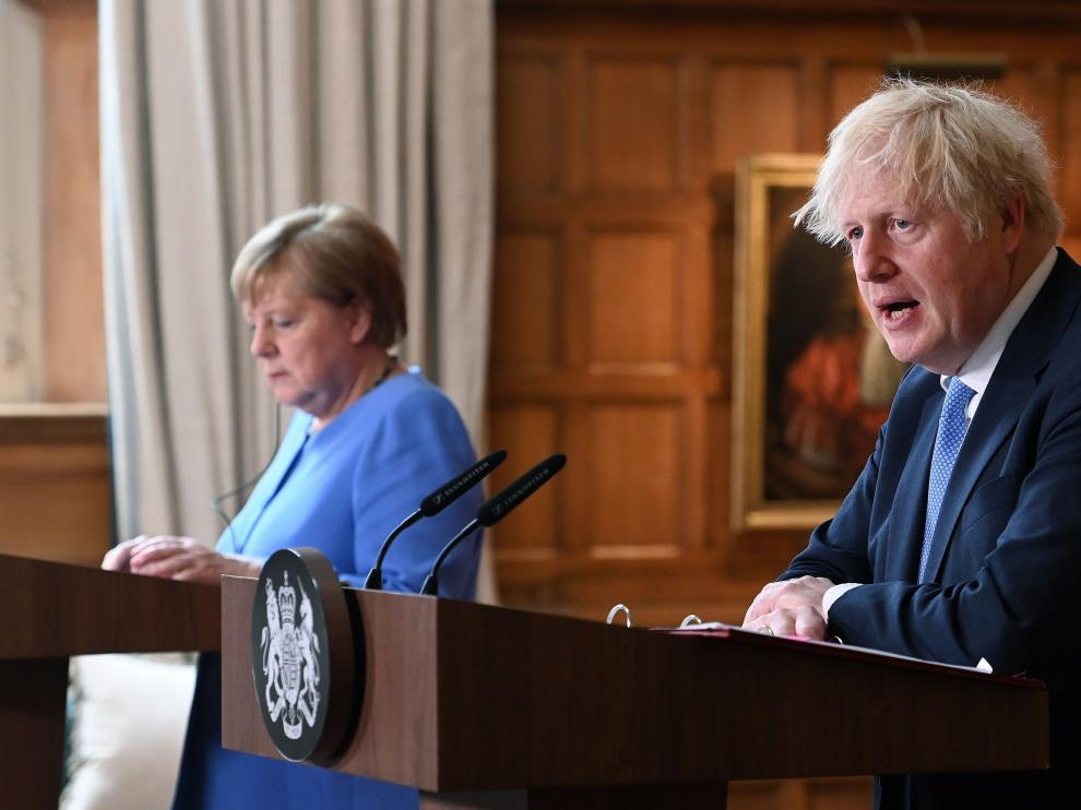 Angela Merkel y Boris Johnson durante la rueda de prensa conjunta.