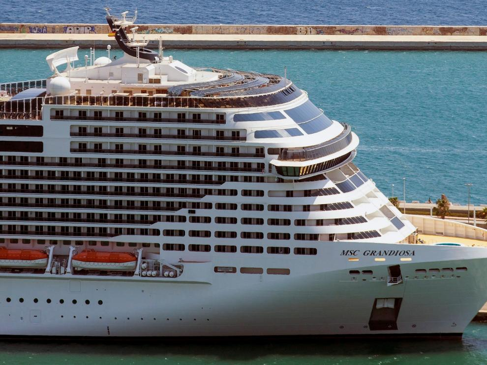 Vista del crucero Grandiosa.