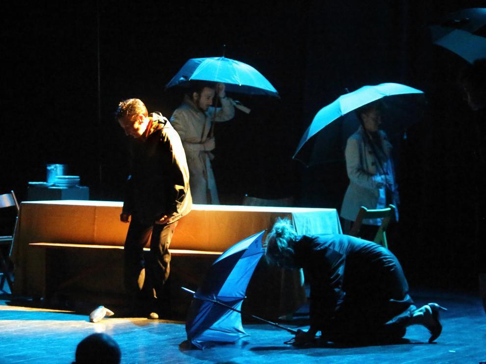 Javier García dirige a Deleites diversos, grupo que interpretó Cuando deje de llover el 27 de junio.