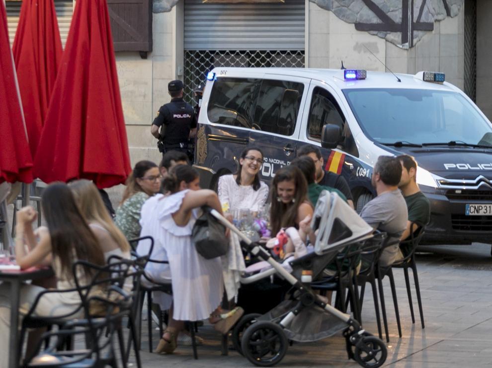 La vigilancia policial se ha incrementado en Aragón para hacer cumplir las normas sanitarias.