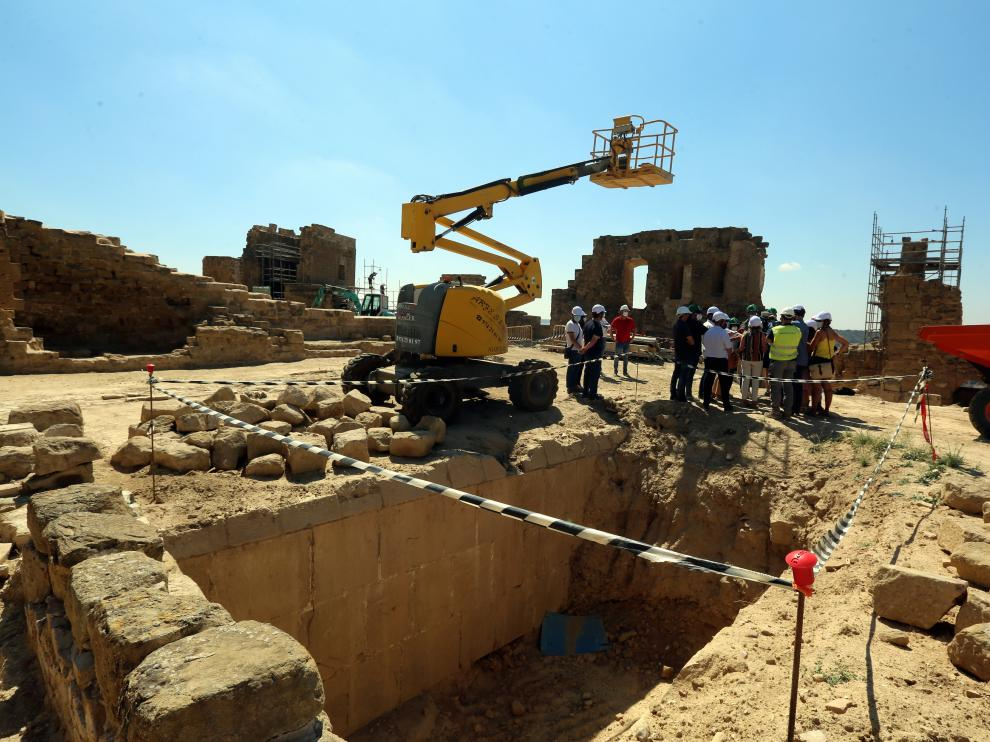 Imagen del aljibe descubierto tras los trabajos de excavación